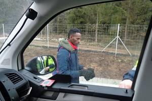 Nelegální migrant se pěšky pohyboval po dálnici D1.