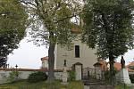 V kondrackém kostele svatého Bartoloměje se ukrývají tři zvony.