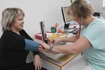 Předávání lékařských zpráv prostřednictvím pacientů je nezákonné.