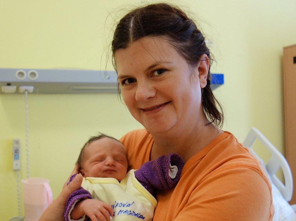 Marie Magdalena Čechráková se rodičům Haně Burešové a Aleši Čechrákovi z Jevan narodila 31. srpna 2019 ve20 hodin a 51 minut, vážila 2410 gramů a měřila 46 centimetrů. Na malou sestřičku se těší její bráškové David (14), Matěj (10) a Tomáš (10).