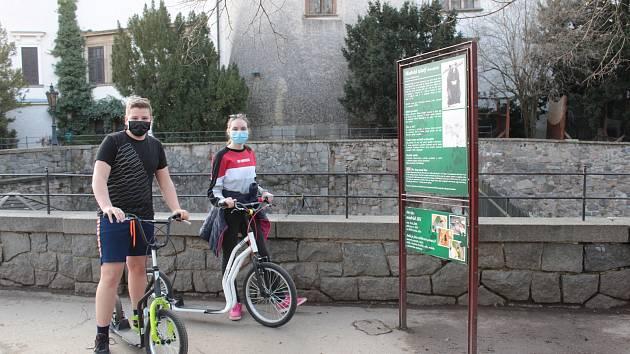 Relaxační zóna Benešova, zámecký park na Konopišti využívají lidé k řadě činností.