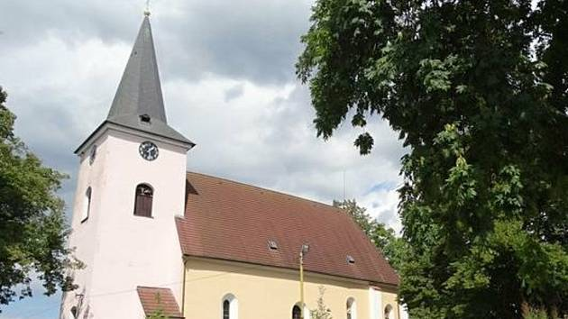 Obec Keblov.