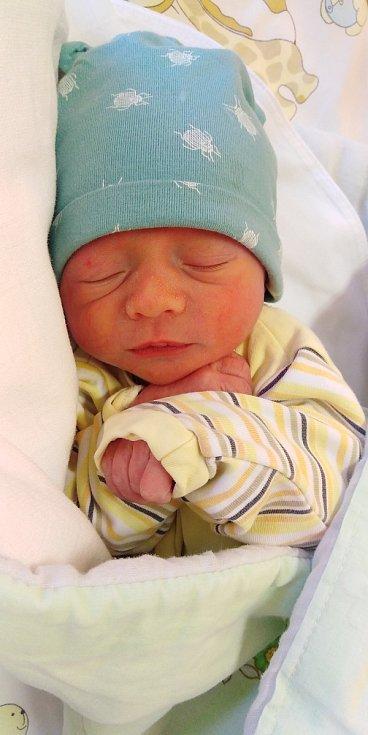 Jiří Berka se poprvé na svět podíval 18. února 2021 v 7. 20 hodin v čáslavské porodnici. Vážil 2340 gramů a měřil 48 centimetrů. Domů do Kutné Hory si ho odvezli maminka Gabriela a tatínek Jiří.