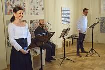 Festivalový večer byl tentokrát věnován dílu českého básníka a prozaika Viktora Dyka.