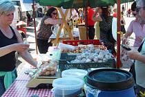 Farmářské trhy ve Vlašimi nový tržní řád města neomezí.