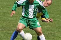 Ve fotbalové I. B třídě se v okresním derby radovalo domácí Poříčí, když porazilo ve střelecky hojném zápase Olbramovice.