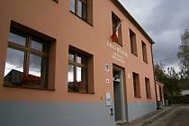 Volební místnost Louňovice pod Blaníkem.