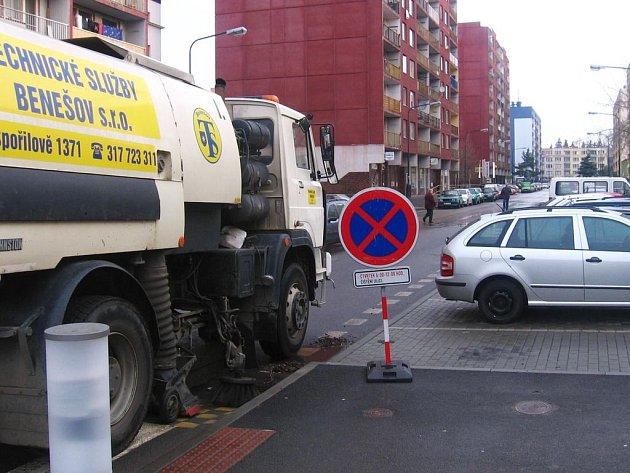 Údržba silnice v benešovské ulici Na Bezděkově