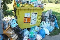 Zátiší s odpadem v Novém Městečku u Čerčan.
