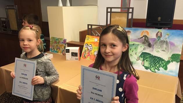 Nejúspěšnější malé výtvarnice poslala do soutěže ZUŠ Vlašim.