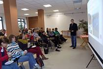 Středočeští kantoři se poprvé budou vzdělávat ve Vodním domě Hulice.