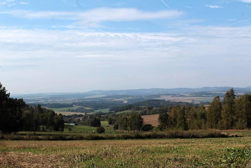 Hned vedle CHKO Blaníku by měly stát obří větrníky. Z místa je krásný výhled do širokého okolí.
