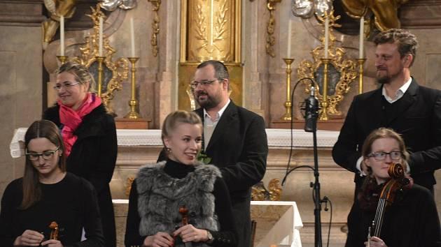 Komorní soubor Melos zahrál v kostele v Benešově.