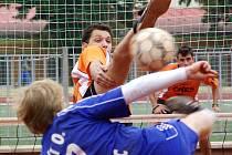 Ani obětavý výkon Davida Kačírka nezajistil benešovskému Šacungu kýžené vítězství v Žatci, a tak o jejich záchraně v extralize rozhodne poslední zápas.