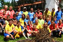 České a polské hasičské děti na táboře v Jizbici.
