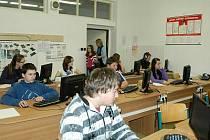 V úterý dělali páťáci zkoušky z matematiky a češtiny a deváťáci si vyzkoušeli angličtinu.