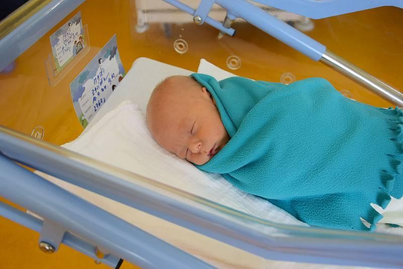 Matěj Zajíček se Lence Brožové a Antonínu Zajíčkovi narodil v benešovské nemocnici 10. září 2021 v 9.03 hodin, vážil 2760 gramů. Bydlištěm rodiny je Měřín.