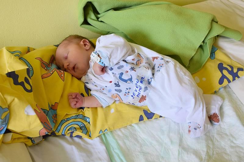 Matyáš Petr Severyn se manželům Markétě a Janovi narodil v benešovské nemocnici 4. května 2021 8.45 hodin, vážil 3310 gramů. Bydlištěm rodiny je Vrátkov u Českého Brodu.