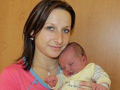 Malý Antonín se narodil 3. prosince ve 21.30. Sestřičky v porodnici mu navážily 3,56 kilogramu a naměřily 50 centimetrů. Ze syna se radují rodiče Hana Šebková a Aleš Suk z Nesvačil.