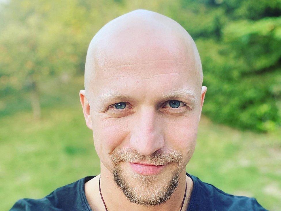 Český slavík z roku 2012, zpěvák Tomáš Klus, uspořádá svůj novoroční koncert.