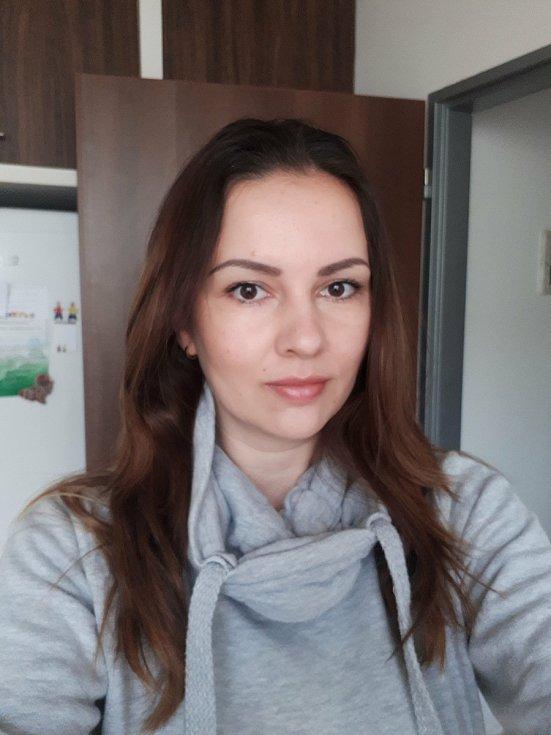 Mirka Konvičná z Votic před návštěvou kadeřnice.