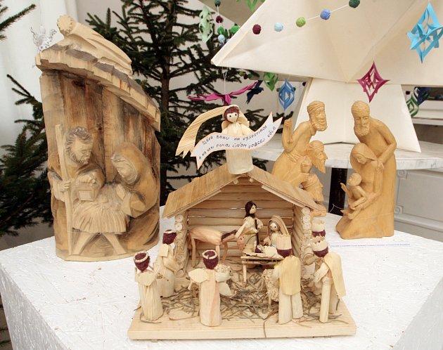 Výstava betlémů je přístupná na Malém náměstí v Benešově až do Tří králů.