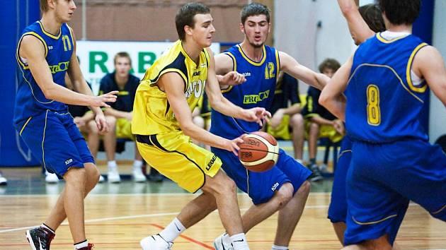 Benešovští basketbalisté jen těsně ze Zlínem prohráli.