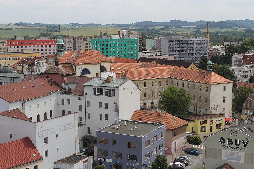 Piaristická kolej v Benešově od Vnoučkovy ulice.
