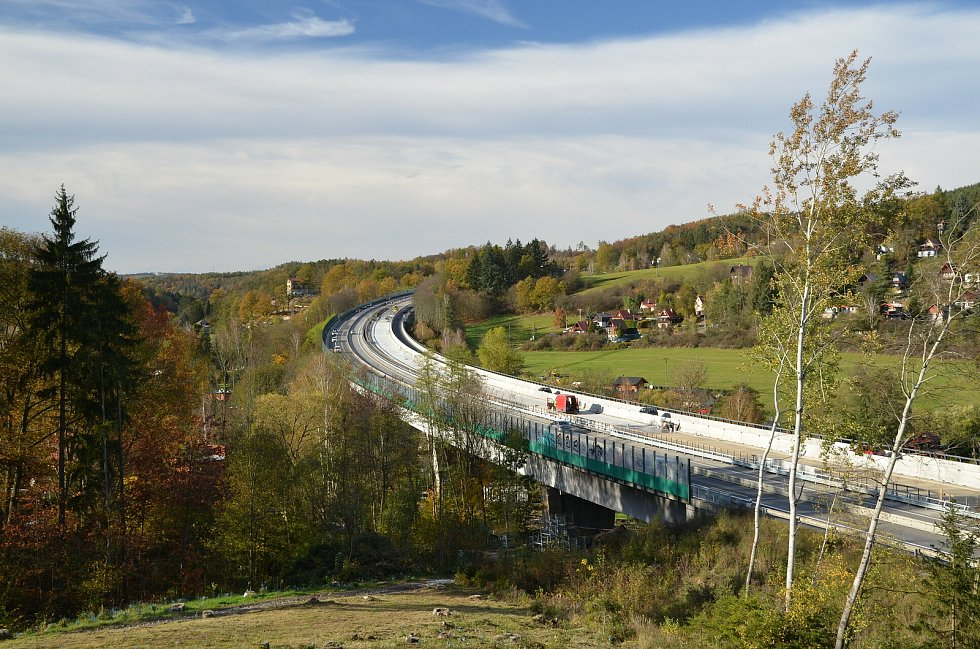Modernizace dálnice D1 na dvou úsecích okresu Benešov.