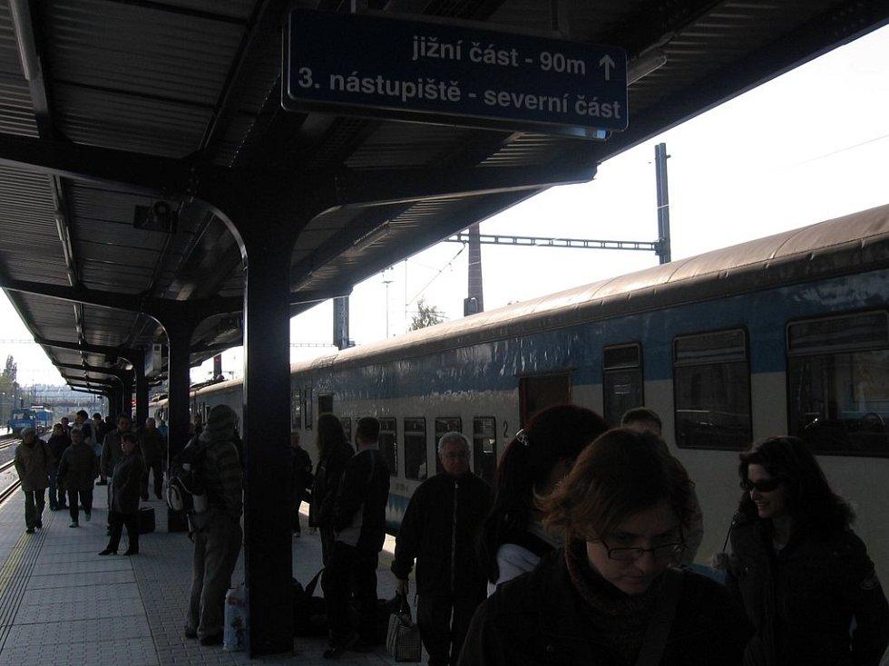 Třetí nástupiště na vlakovém nádraží v Benešově bylo zprovozněné koncem minulého týdne