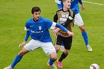 Jakub Štochl (v modrém) povede Vlašim do druholigové sezony jako kapitán.