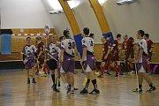 Celkem osmnáct branek ve dvou zápasech se podařilo vstřelit družstvu ACEMA Sparta Praha C ve dvanáctém kole třídě mužů skupiny B ve florbalu, které se uskutečnilo v bystřické sportovní hale.