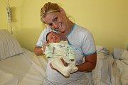 Prvorozená Agáta Hrdličková se narodila 11. května ve 22.29 šťastným rodičům Barboře Dobré a Marku Hrdličkovi z Úval. Holčička při narození vážila 3 019 gramů a měřila 48 centimetrů.
