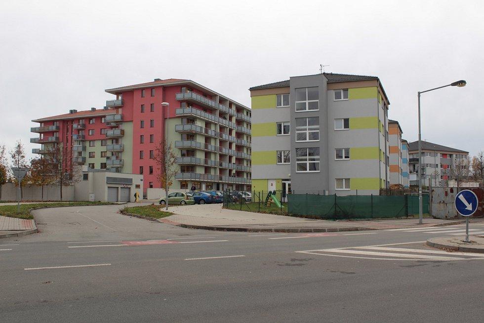Táborská kasárna v Benešově: v někdejším vojenském prostoru už vznikla řada bytových domů. A další mají vyrůst v blízké budoucnosti.