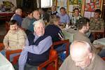 Delegáti konference z řad včelařů okresu Benešov.
