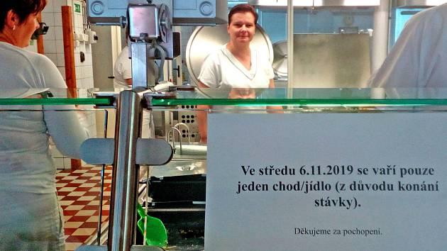 Kvůli stávce učitelů připravovala míně jídel také Školní jídelna Jiráskova v Benešově.