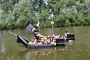 Po řece Sázavě vyplulo deset originálních plavidel.