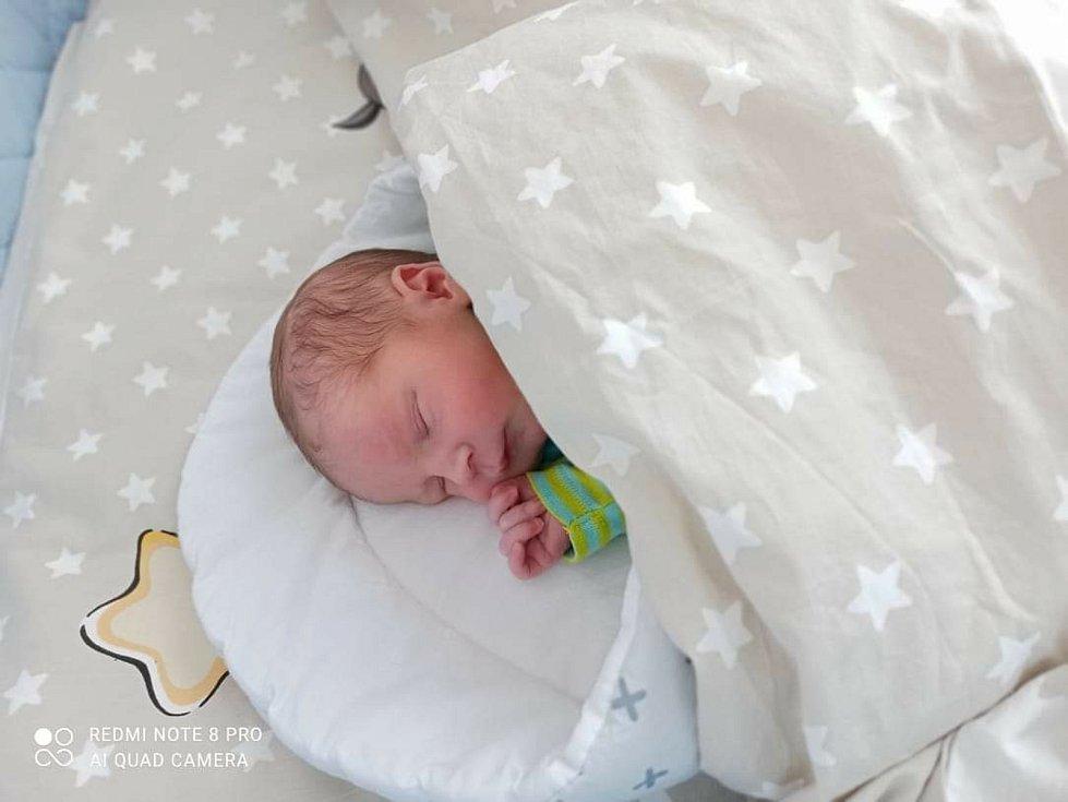 Martin Porcal se narodil 7.února 2021 v rakovnické porodnici.  Po porodu vážil 2890 gramů a měřil 49 cm. Šťastnými rodiči jsou Stanislava Jesinková a Martin Porcal z Kounova.
