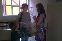Nové spolužáky uvítali první školní den také v Louňovicích pod Blaníkem.