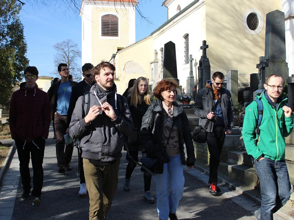 Studenti architektury ČVUT Praha při workshopu prošli Benešovem.