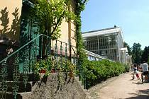 Bude se nový skleník benešovské zemědělské školy podobat tomu v Růžové zahradě na Konopišti?
