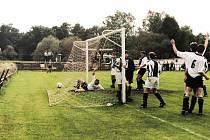 Takto se hrálo v Týnci nad Sázavou v 90. letech minulého století.