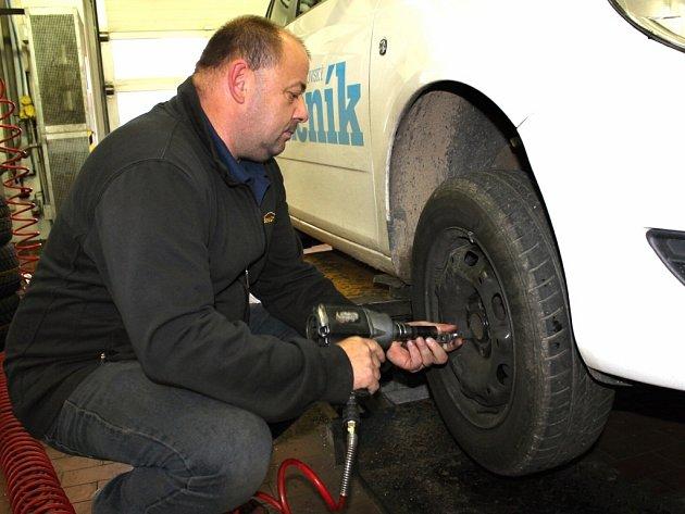 Benešovský pneuservis.