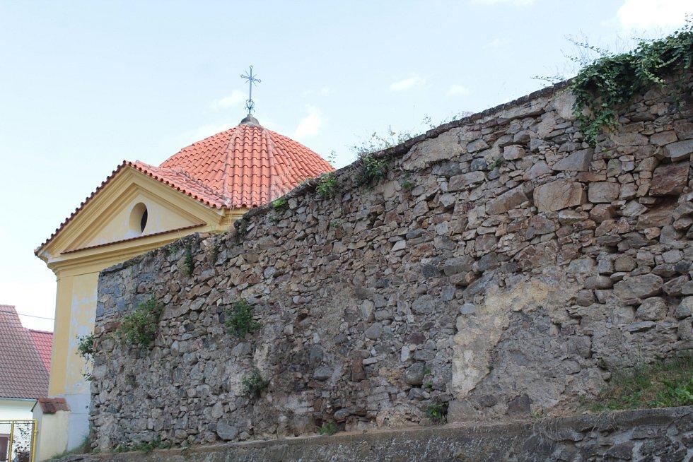 Poznáte obec na Benešovsku?