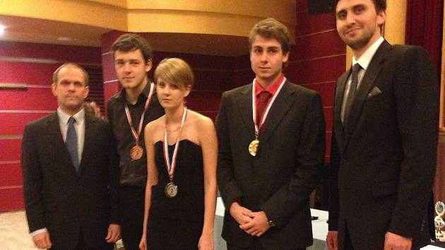 Tomáš Koubek (druhý zprava) se svými soupeři.