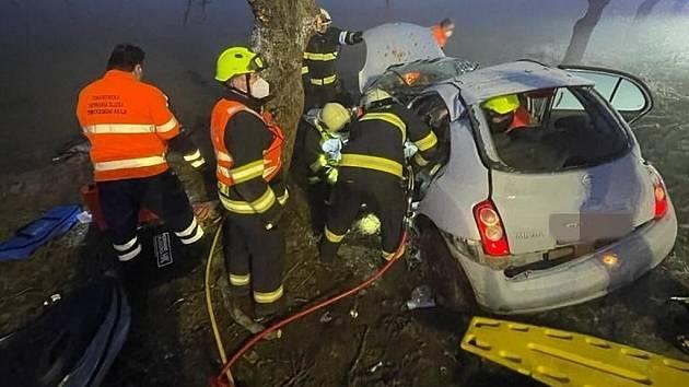 Dopravní nehoda u obce Hlubočinka v okrese Praha-východ.