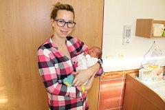 Manželé Kaprálkovi jsou od 23. prosince rodiče Medy, která se narodila ve 23.06. Při narození malá Meda měla 3 230 gramů a 49 centimetrů. Doma v Bukovanech se na ni těší Ema (9), Lilly (5) a Oliver (3).