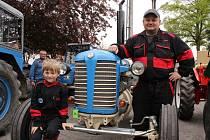 V Nehorubech u Neveklova se v sobotu 6. května konalo už 13. setkání traktorů Zetor.