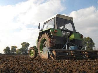 Ilustrační foto: I řidiči zemědělských strojů profesní průkaz nepotřebují