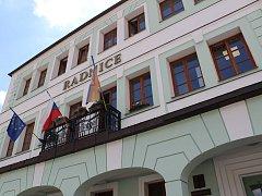 Město Votice, nová radnice na Komenského náměstí.